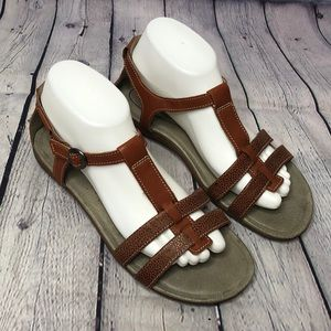 Keen Brown Leather T -Strap Sandals size 9